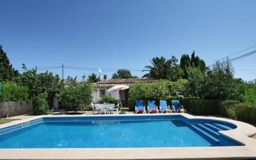 Villa with touristic rental license for sale in Pollensa, Mallorca