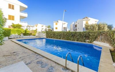 Apartment with private terrace and communal pool for sale in Puerto Pollensa, Mallorca