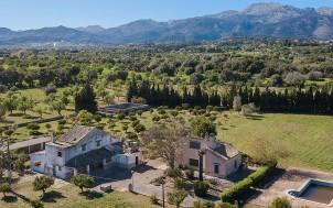Finca with large plot in need of renovation for sale near Campanet, Mallorca