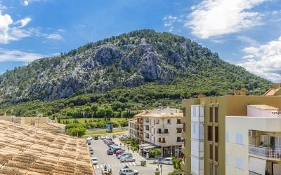 Centrally located apartment with views for sale in Pollensa, Mallorca