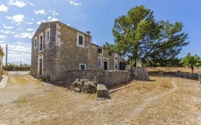 300 year old rustic country finca for sale near Selva, Mallorca