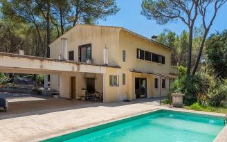 Spacious villa for sale near Pollensa, Mallorca