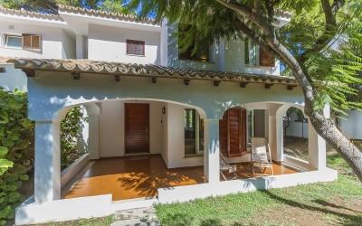Charming Mediterranean villa with rental licence for sale in Cala San Vicente, Pollensa, Mallorca