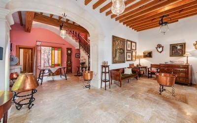 Charming and attractive house for sale in the centre of Sa Pobla, Mallorca