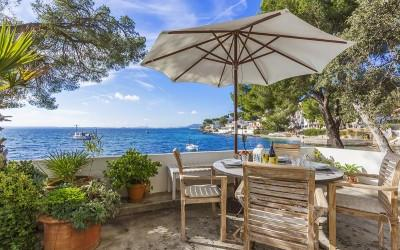 Seafront house with holiday rental license for sale in Alcanada, Alcúdia, Mallorca
