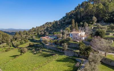 Extensive country property for sale in Alaró, Mallorca