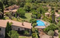 Lovely country home for sale in a beautiful valley near Pollensa, Mallorca