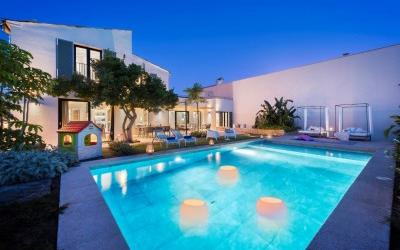 Modern villa with pool for sale in Pollensa, Mallorca