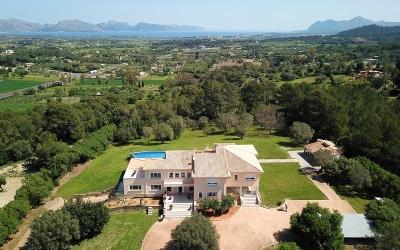Luxury villa with panoramic views over the landscape to the sea near Alcúdia, Mallorca