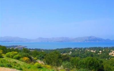 Plots with sea views for sale in Mallorca