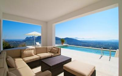 Elegant, modern villa with rental license for sale in Pollensa, Mallorca