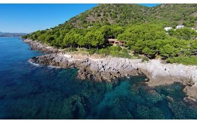 Frontline villa for sale on the east coast, Mallorca