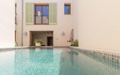 Refurbished town house for sale in the historic town Pollensa, Mallorca