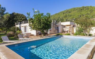 Fantastic villa for sale situated in a quiet residential area close to Pollensa, Mallorca