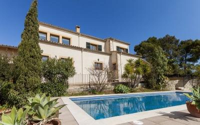 Amazing finca with pool views and just minutes from town for sale in Inca, Mallorca