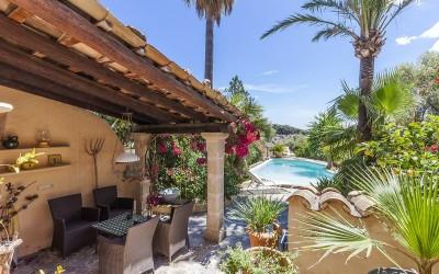 Unique town house with pool for sale in the heart of Pollensa, Mallorca
