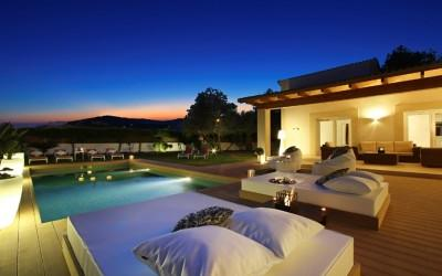Tailor-made villa with pool for sale in a private location in the north of Mallorca