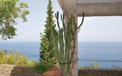 House with terrace and and beautiful views in Deià, Mallorca