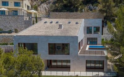Incredible hillside villa with guest apartment for sale in Canyamel, Mallorca