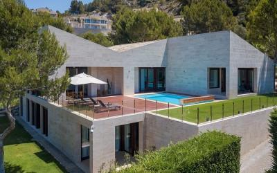 Luxurious modern villa with ETV license for sale in Canyamel, Mallorca