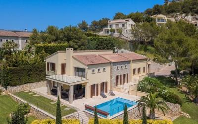 Magnificent villa with panoramic views for sale in Canyamel, Mallorca