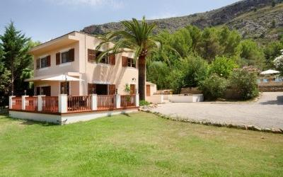 Must sell urgently: Country house for sale in Alcudia, Mallorca