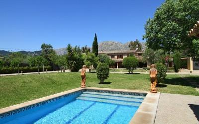 Bargain for sale in Pollensa! Country property superb rental income, Letting Licence , Guest House.