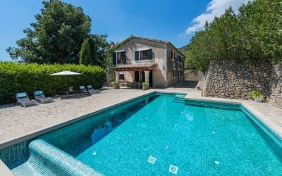 Enchanting finca in a peaceful location for sale in Esporles, Mallorca