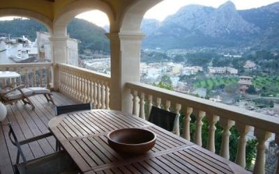 Townhouse Mallorca: beautiful new stone townhouse in a charming mountain village