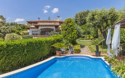 Country home with panoramic countryside views for sale in Inca, Mallorca