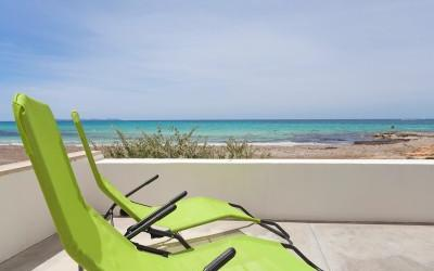 Beach villa with rental license for sale in Ses Covetes, Mallorca
