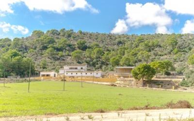 Finca with a panoramic view close to Magaluf, Mallorca