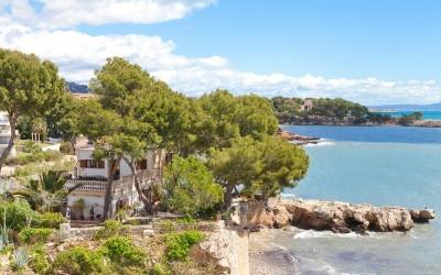 First line villa with fabulous views in Palmanova, Mallorca