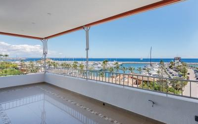 Modern apartment for sale in Puerto Portals, Mallorca