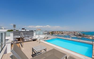 Stylish penthouse with roof top terrace in the Portixol, Palma