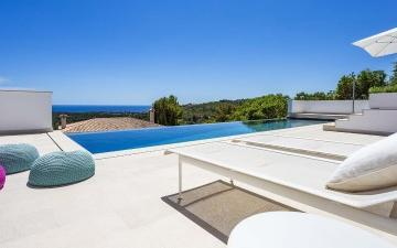 Villa in prime location with great views for sale in Bendinat, Mallorca