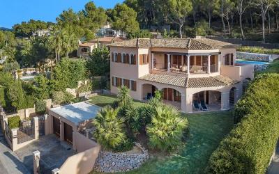 Modern villa for sale in Santa Ponsa, Mallorca