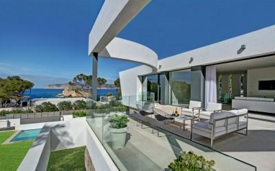 Luxury sea view villa for sale in Santa Ponsa, Mallorca