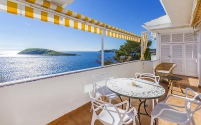 Duplex-apartment with stunning view on the sea front for sale in Torrenova, Mallorca