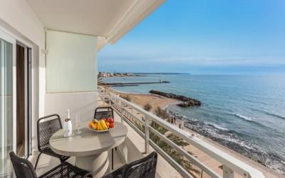 Penthouse on the seafront with fantastic southwest view for sale in El Molinar, Mallorca
