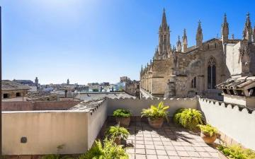 Impressive penthouse for sale in the heart of Palma´s old town