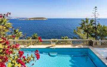 Spectacular villa with direct sea access in Cala Vinyes, Mallorca