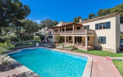 Well maintained villa for sale in Costa de'n Blanes, Mallorca