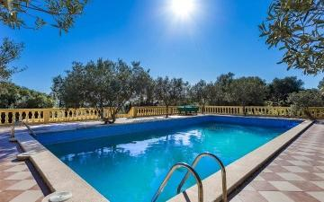 Mallorcan finca ideal for investors for sale in Puntiro, Mallorca