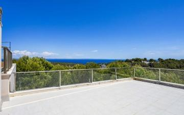 Wonderful penthouse with sea views for sale in Sol de Mallorca