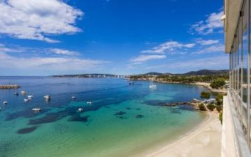 Apartment with a lot of potential for sale in Puerto Portals, Mallorca
