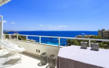 Impressive modern apartment for sale in Illetes, Mallorca