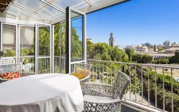 Fantastic house with garden and independant plot for sale in Palma, Mallorca