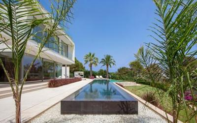 Modern villa with original design for sale near the beach in Sol de Mallorca