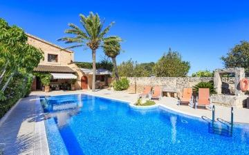 Charming country house for sale in a peaceful area of Llucmajor, Mallorca